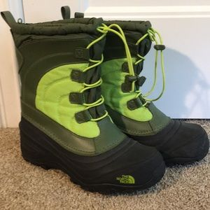 Kids size 6 North Face Winter Boots